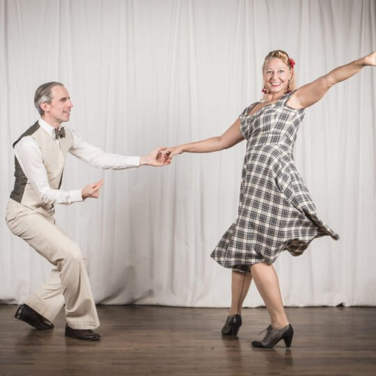 Lindy Hop 2 (Beginner/Intermediate)